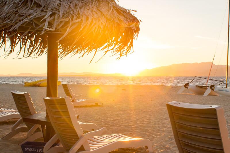South Sea Island Magic: the beach, coral reef & a breathtaking sunset